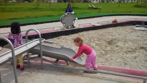 Le park des gravi res superbe aire de jeux kingersheim for Piscine bourtzwiller